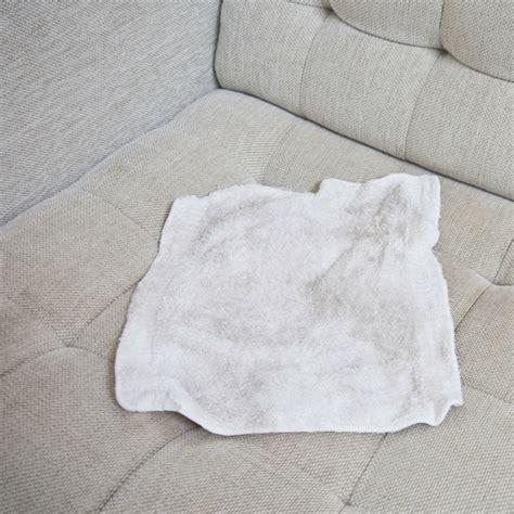 nettoyage canape tissu conseils comment nettoyer un canapé en tissu et enlever