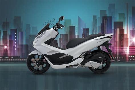 Pcx 2018 Vs Vario 150 by Samarinda Kredit Motor Samarinda