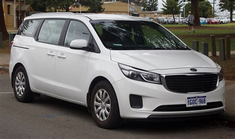 Kia carnival comes with bs6 compliant diesel. Kia Carnival Gets Over 1400 Bookings On First Day, Second ...