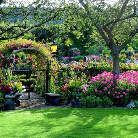 The Butchart Gardens With Shuttle Transportation And Ferry