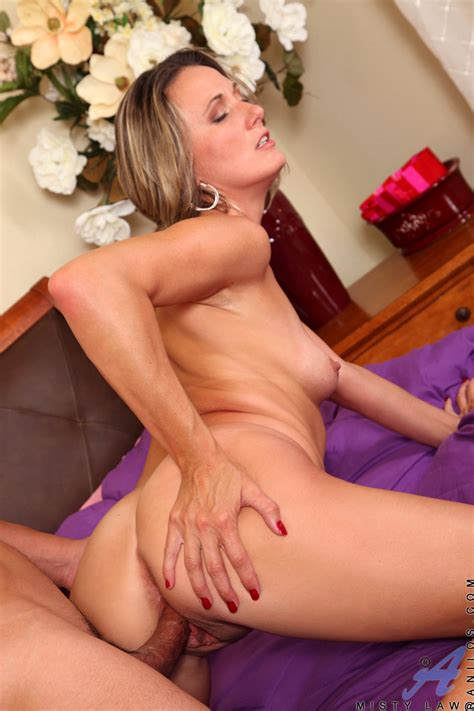 Sample Mobile Picture Gallery With Misty Law