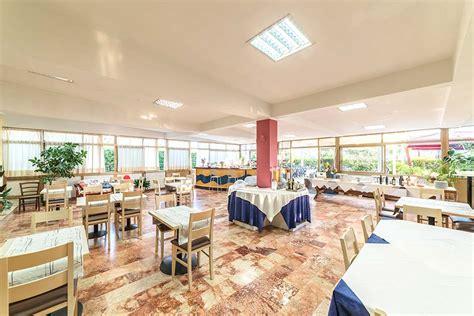 ristorante tenda rossa firenze ristorante hotel tenda rossa 3 stelle a marina di carrara