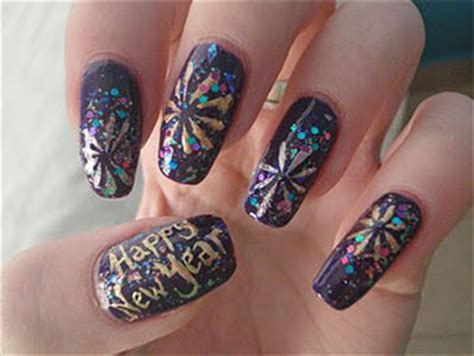 Nail Designs New Years Communiquerenligne