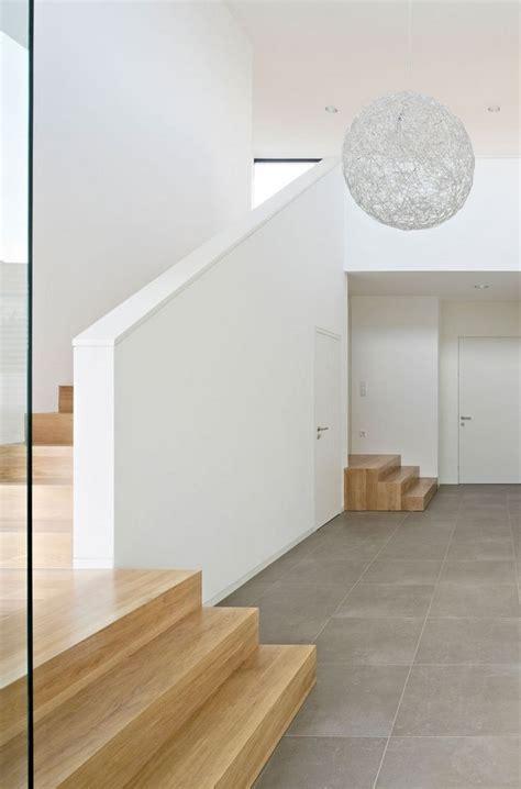 Fliesen Im Flur by Fliesen Flur Modern