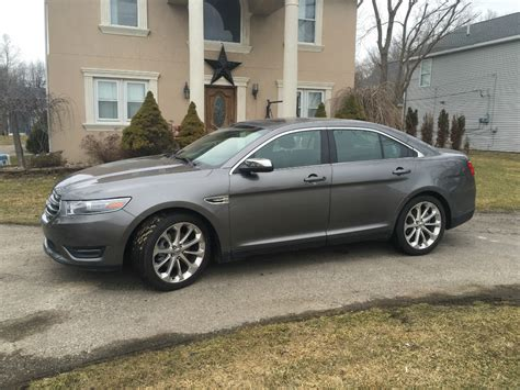 ford taurus limited buds auto  cars  sale