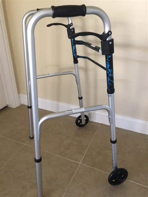 walker surgery knee replacement wheels options walkers around recovery help medical moving pick put down
