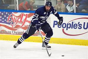 Men's Ice Hockey Seeks to Keep Momentum Going - UConn Today