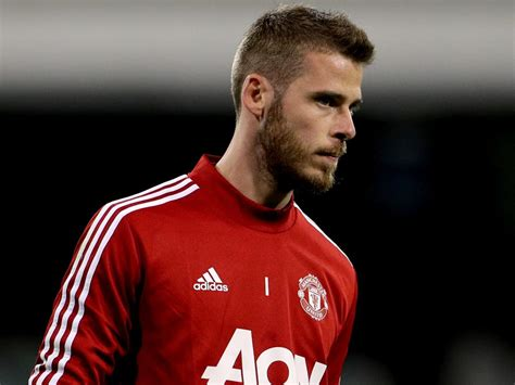 David de gea is a spanish professional football player who plays as a goalkeeper for the spain de gea made his international debut on 8 june 2014 when he replaced iker casillas for the last seven. Manchester United transfer news: Ole Gunnar Solskjaer optimistic David De Gea will sign new deal ...