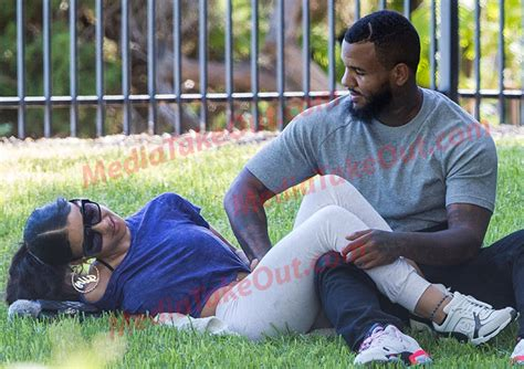 American Rapper The Game Fingers His 18 Years Old Girlfriend In Public Photos Gistmania