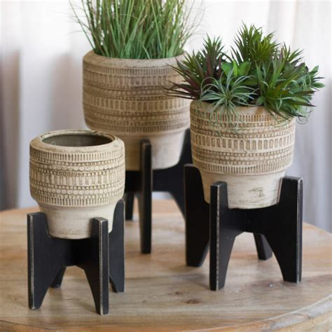 Round Clay Planters with Black Wooden Base   Set of 3