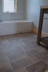 bathroom vinyl flooring ideas 25 best vinyl flooring ideas on vinyl flooring for bathrooms vinyl plank flooring