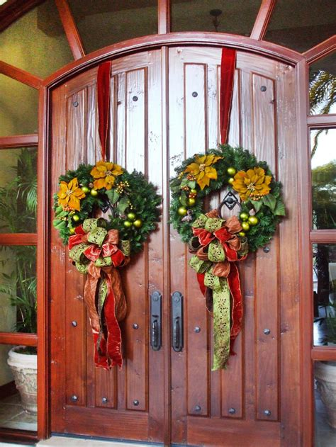 design  joyful  festive christmas entrance interior