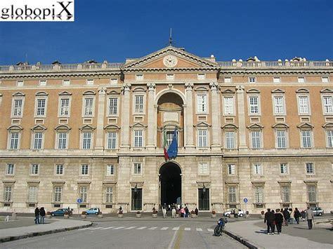 Costo Ingresso Reggia Di Caserta Foto Reggia Di Caserta Palazzo Reale Fronte Esterno