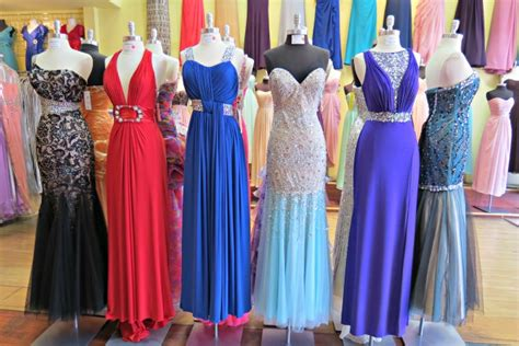 teen roundtable schools approving prom dresses