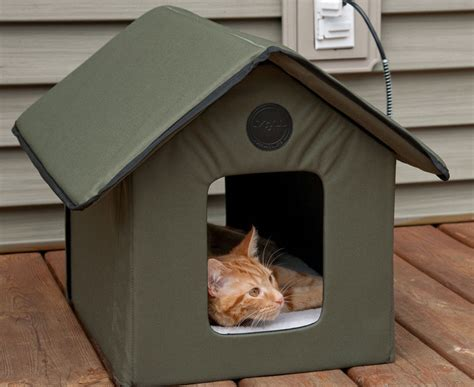 Outdoor Kitty House  Heated And Waterresistant Version