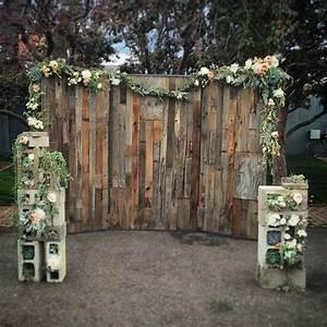 Custom wood wall wedding backdrop by edison metalworks
