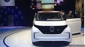Combi Volkswagen Electrique Prix : ces 2016 volkswagen budd e le nouveau combi la sauce lectrique ~ Medecine-chirurgie-esthetiques.com Avis de Voitures