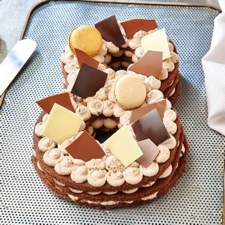 Une recette de cake originale par la cuisine de fanie. - Chiffre 8 Number cake chocolat - Auchan traiteur