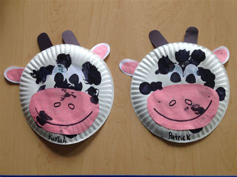 cow craft paper plate craft toddler craft 16 24months 881 | 8b1def3d4f8096a49204e1c1d37f3e39