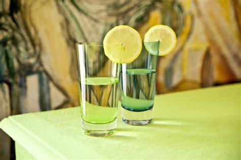 Bicchieri Quadrati by Bicchieri Quadrati Dettagli Contemporanei In Tavola
