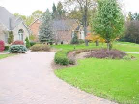 driveway landscape ideas circular driveway landscaping ideas out in the yard pinterest