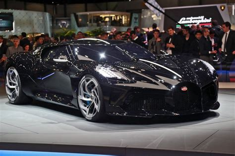 If we were to think about internal combustion engines in a logical manner, more stephan winkelmann, president of bugatti describes the bugatti la voiture noire interior as the most comfortable car ever. 2019 Bugatti La Voiture Noire - 39-Photo Geneva Debut & Design Analysis » CAR SHOPPING » Car ...