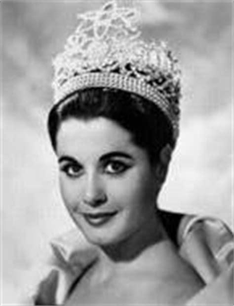 拉丁娜閣 Bellezas Latinas: Miss Universe • Parade of Nations