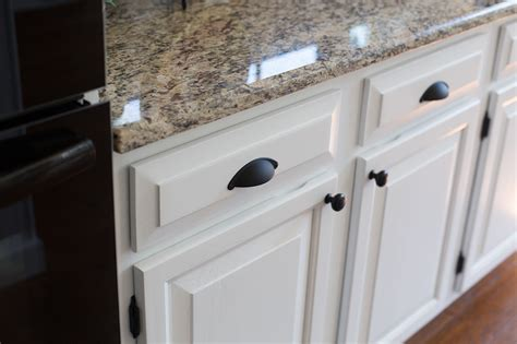 Cupboard Doors Lowes by Ideas Great Lowes Cabinet For Your Cabinet
