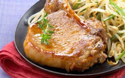 cuisiner cotes de porc recette côtes de porc laquées au miel 750g