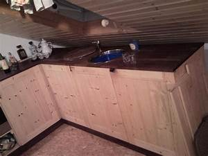 Küche Unter Der Dachschräge : weis wer wie man k chenblock unter dachschr ge ~ Lizthompson.info Haus und Dekorationen