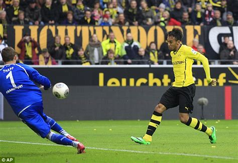 Bundesliga round-up: Bayern Munich and Borussia Dortmund ...
