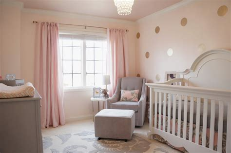 Babyzimmer Wandgestaltung Rosa by Creating A S Pink And Grey Nursery