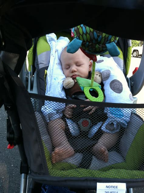 boy car seat running with a stroller fit food