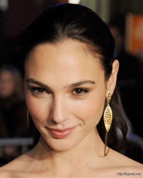 Gal Gadot Cute Closeup Wallpaper  Background Wallpaper Hd
