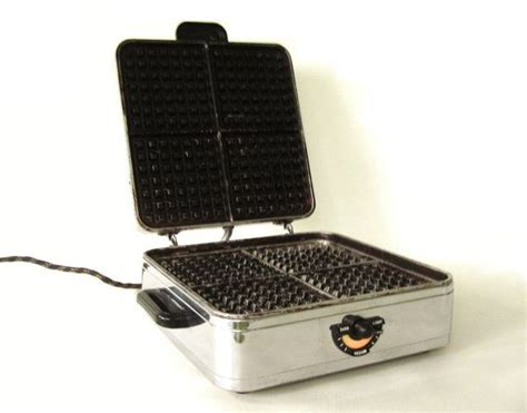 sunbeam waffle maker w 2 1950s kitchen appliance waffle