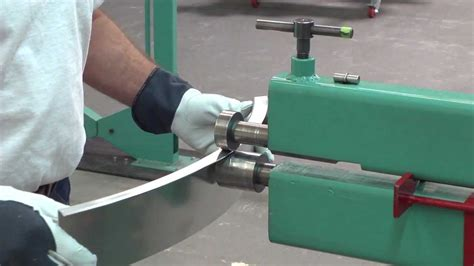 metal shaping  lazze stretching aluminum   bead roller youtube