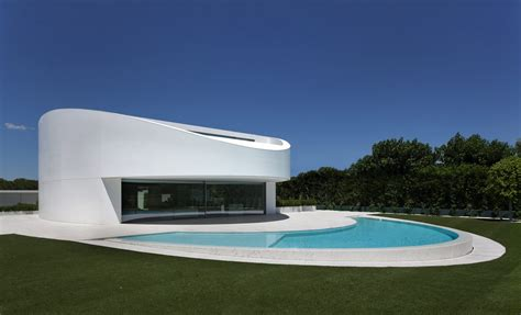 Southern Living Small Living Rooms by Elliptical Shaped Residence In Spain With A Futuristic
