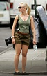 Short Celebrities: Scarlett Johansson height: 5ft 3in (160 cm)