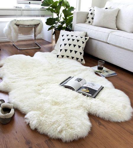 Schaffell Teppich Ikea by Best 25 Sheepskin Rug Ideas On Ikea Sheepskin