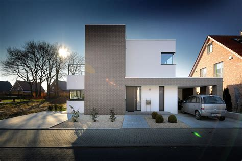 Moderne Haeuser Bauen Architektur Baustoffe Technik by Moderner Hauseingang Mit Gekiestem Vorgarten Carport In