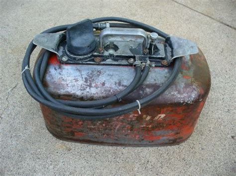 Sell Johnson Evinrude Omc 4 Gallon Pressurized Fuel Gas