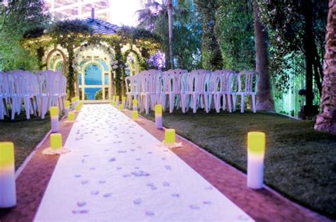 walk on the side 8 vegas wedding venues for animal