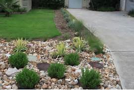 All Of These Plants Were Existing In The Other Side Of The Front Yard To Landscape Types Of Landscaping Rocks Landscaping Ideas With Rocks Rock Garden Design Ideas To Create A Natural And Organic Landscape Garden Design Garden Gestlalten Plant Container Brick