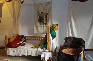 Wie Bekomme Ich Mücken Aus Dem Zimmer : recycelt nat rlich regional vorh nge f r wohnzimmer und mittelalter ~ Bigdaddyawards.com Haus und Dekorationen