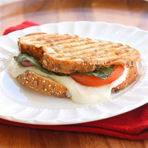 caprese sandwich grilled caprese sandwich