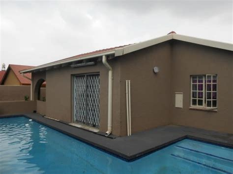 2 Or 3 Bedroom House For Rent by 3 Bedroom House For Sale For Sale In Bosmont Home Sell