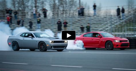 Charger Hellcat Or Challenger Hellcat by Charger Vs Challenger 1400hp Hellcat Battle Cars