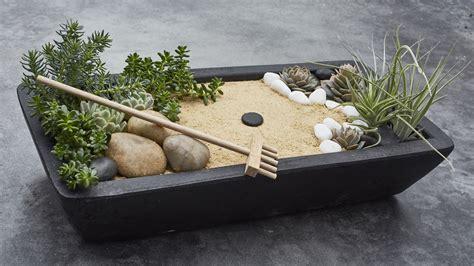 Zen Garten Miniatur by Master The Of Zen With This Relaxing Diy Project