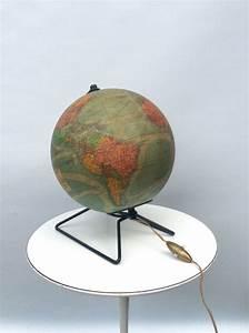 Globe Terrestre Sur Pied : perrina lampe globe terrestre en verre sur pied m tal design vintage 50 catawiki ~ Teatrodelosmanantiales.com Idées de Décoration