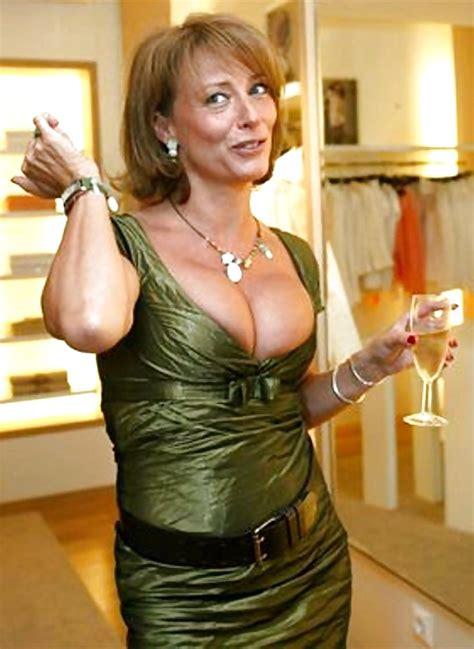 Hot Matures Elegant Mature Amateur Ladies Fully Clothed